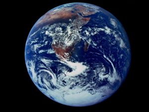 earth-full-view_6125_990x742[1]