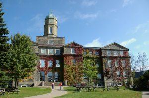 Henry Hicks Building, Dalhousie University, Halifax, Nova Scotia. By mricon [CC BY-SA 2.0 (http://creativecommons.org/licenses/by-sa/2.0)], via Wikimedia Commons